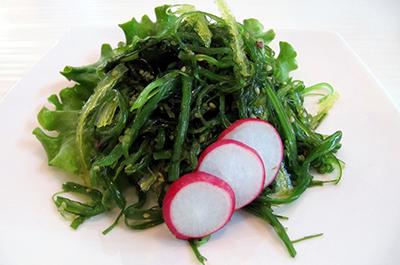 Macroalgue : salade de wakamé au sésame